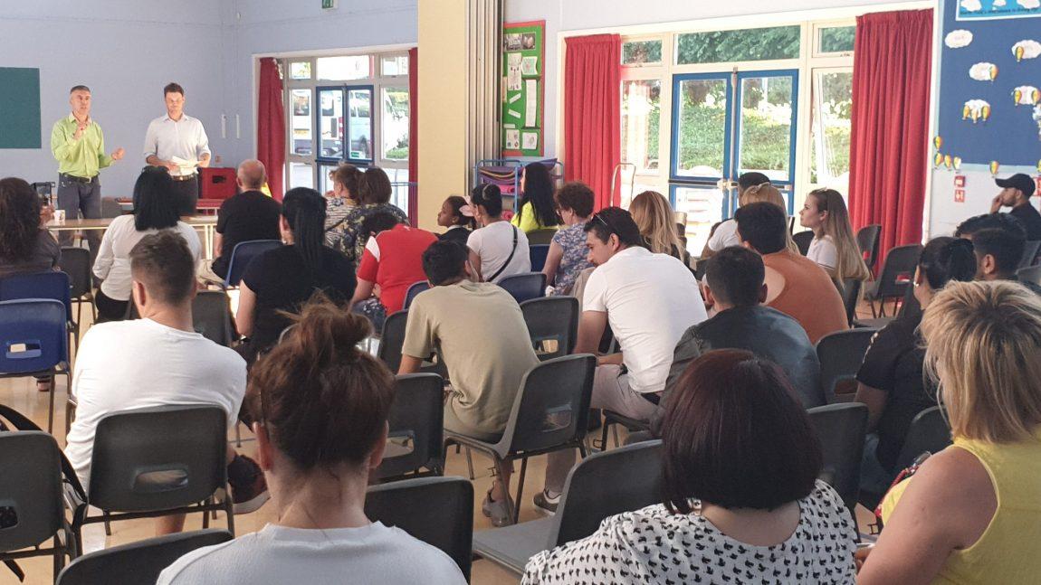 Посланик Райков информира българите в северен Лондон за статута на уседналост
