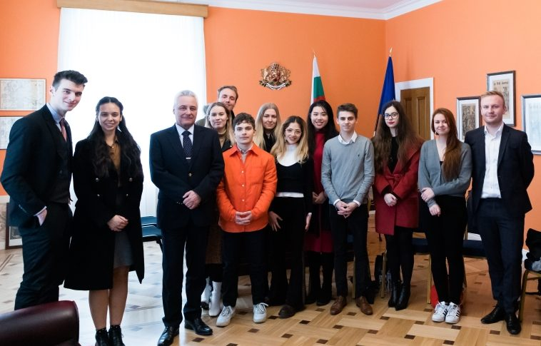 The Bulgarian Ambassador Meets with Students from King's College London